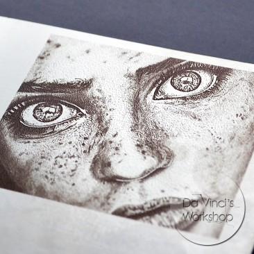 Гравировка портрета на металле